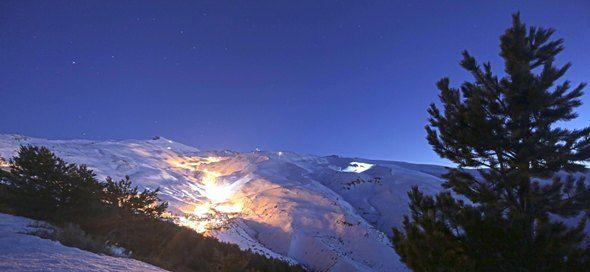 Sierra nevada de noche